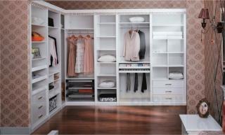 Bố trí tủ quần áo hợp lý để gia đình ôn hòa, an định