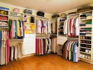 Hướng dẫn vệ sinh tủ quần áo gỗ công nghiệp đơn giản